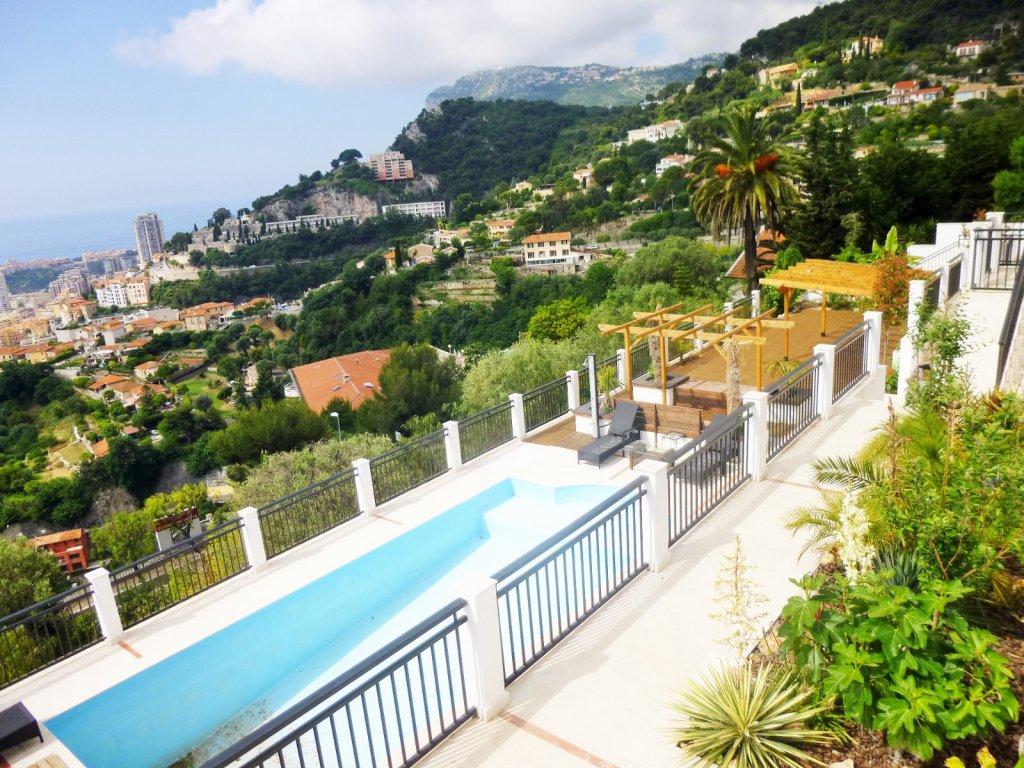 Vente beausoleil vue feerique sur les hauteurs 10 for Azureva roquebrune cap martin piscine